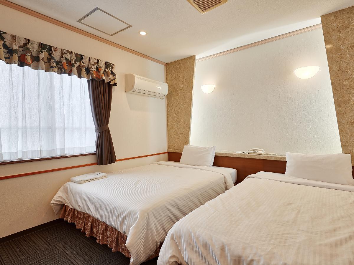 クラウンホテル沖縄 / ツイン【禁煙】