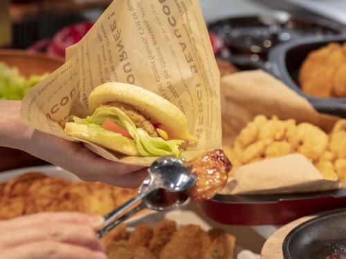 ヒューイットリゾート那覇 (シンプルステイ)朝食ブッフェはご宿泊のお客様は全て無料!