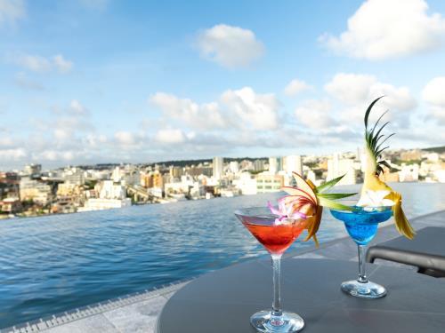 ヒューイットリゾート那覇 (アニバーサリープラン)高層階の客室確約!シャンパン&ホテルオリジナルオードブルで特別なひと時を。