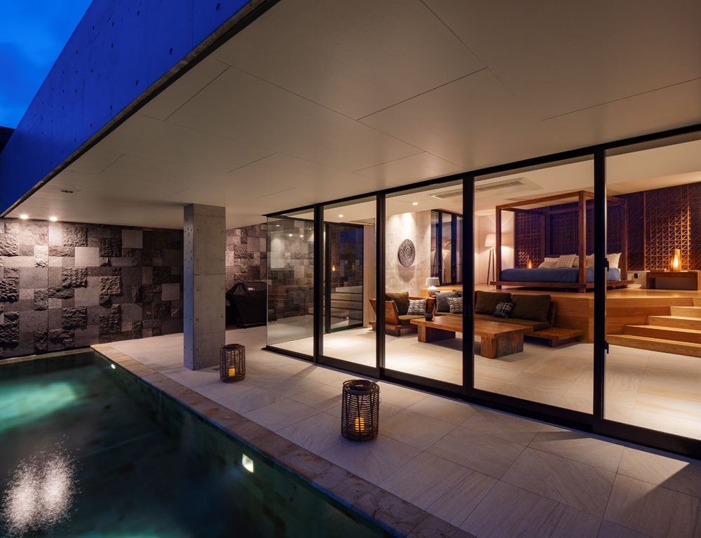 LECEB SESOKO VILLA / オーシャンビューが自慢の贅沢な1棟貸しヴィラ