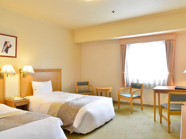パシフィックホテル沖縄 スーペリアツイン 26.56平米 禁煙/バス・トイレ付