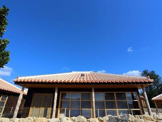 たびの邸宅 沖縄今帰仁 / 沖縄古民家風コテージの琉球畳で和む休日。キッチン、各種家電、洗濯機、乾燥機付き