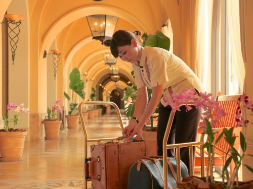 ホテル日航アリビラ ヨミタンリゾート沖縄 / <SAVER>太陽と自然の楽園バカンス/朝食なし