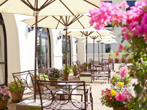 ホテル日航アリビラ ヨミタンリゾート沖縄 <早期でお得>55日前予約 南国の風に包まれる休日/朝食付き