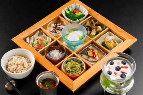 ホテル日航高知旭ロイヤル 九つの身体にやさしい彩り朝食付 宿泊プラン