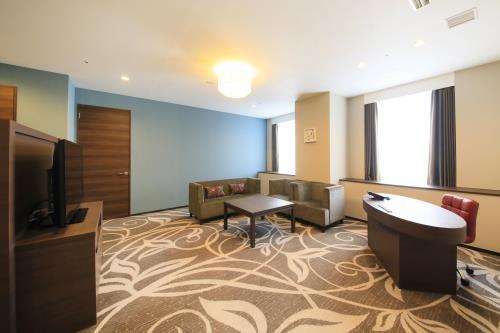クインテッサホテル大阪ベイ / 【特別アップグレードプラン】スイートルームに宿泊してみませんか 80平米 80種類の朝食ブッフェ