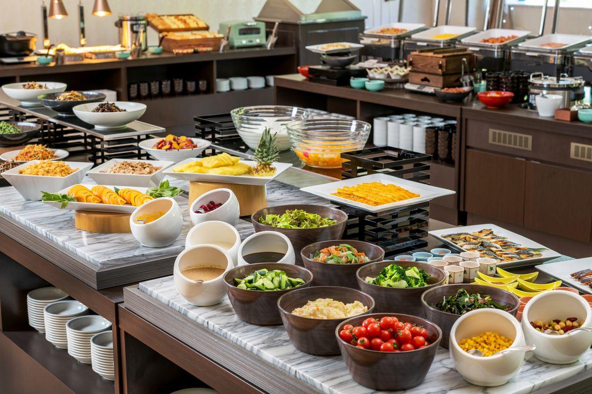 プラザホテル山麓荘 【ビュッフェ2食付プラン】秋田ならではの郷土料理を堪能♪充実のメニューが食べ放題!