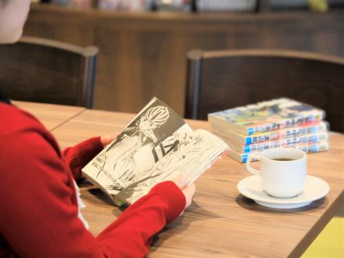 クインテッサホテル福岡天神 Comic & Books / 【シンプルステイ】福岡を満喫!人気の素泊まりプラン