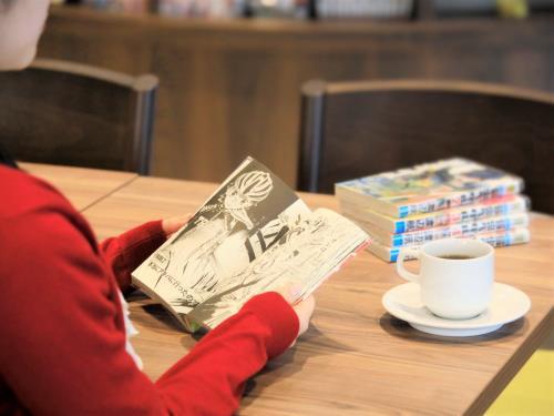 クインテッサホテル福岡天神 Comic & Books <九州・応援>【お部屋で一杯・晩酌プラン】<80種類の朝食ブッフェ付き>