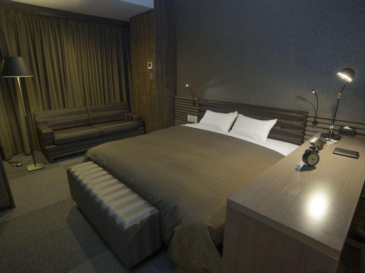 ホテルリリーフ 札幌すすきの ☆デラックスダブルルーム(喫煙)180cm幅ベッド1台☆