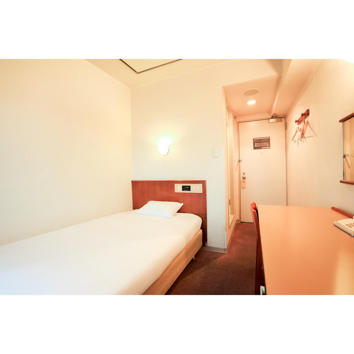スマイルホテル旭川 エコノミーシングル喫煙【9平米・ベッド幅1,100mm】