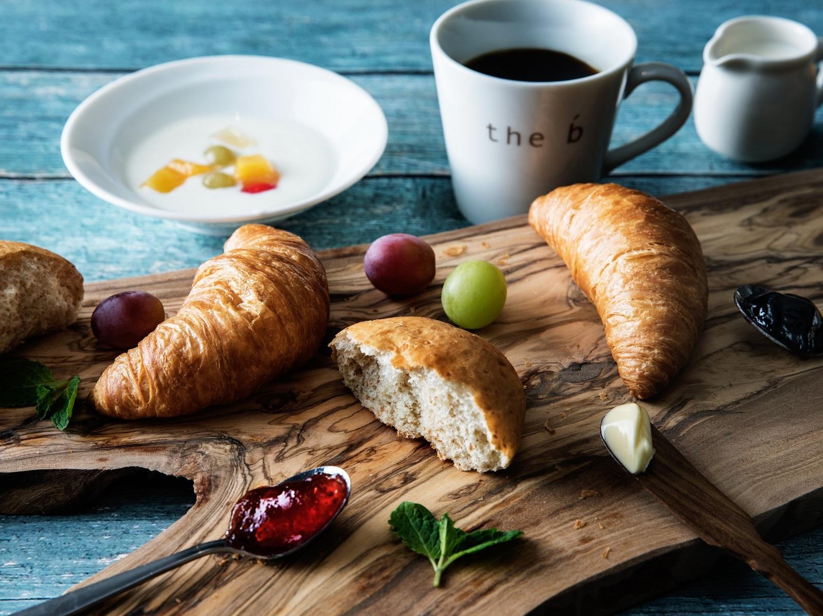 the b お茶の水 【航空券付】【スタンダードプラン】【朝食付】焼き立てパンの朝ごはん -PK
