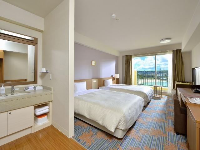 ベッセルホテル カンパーナ沖縄 本館  デラックスオーシャンビューツイン  禁煙