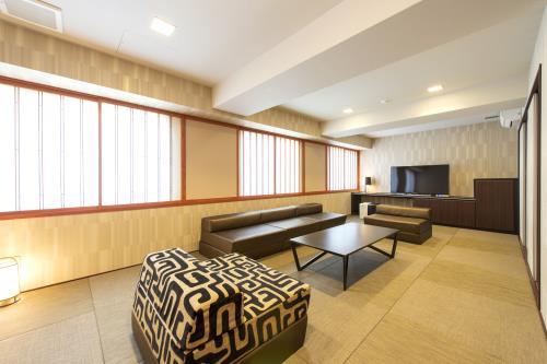 ヴィラージュ京都 / ◆禁煙◆和室35㎡~和モダンテイスト・無料Wi-Fi・駅チカ1分~