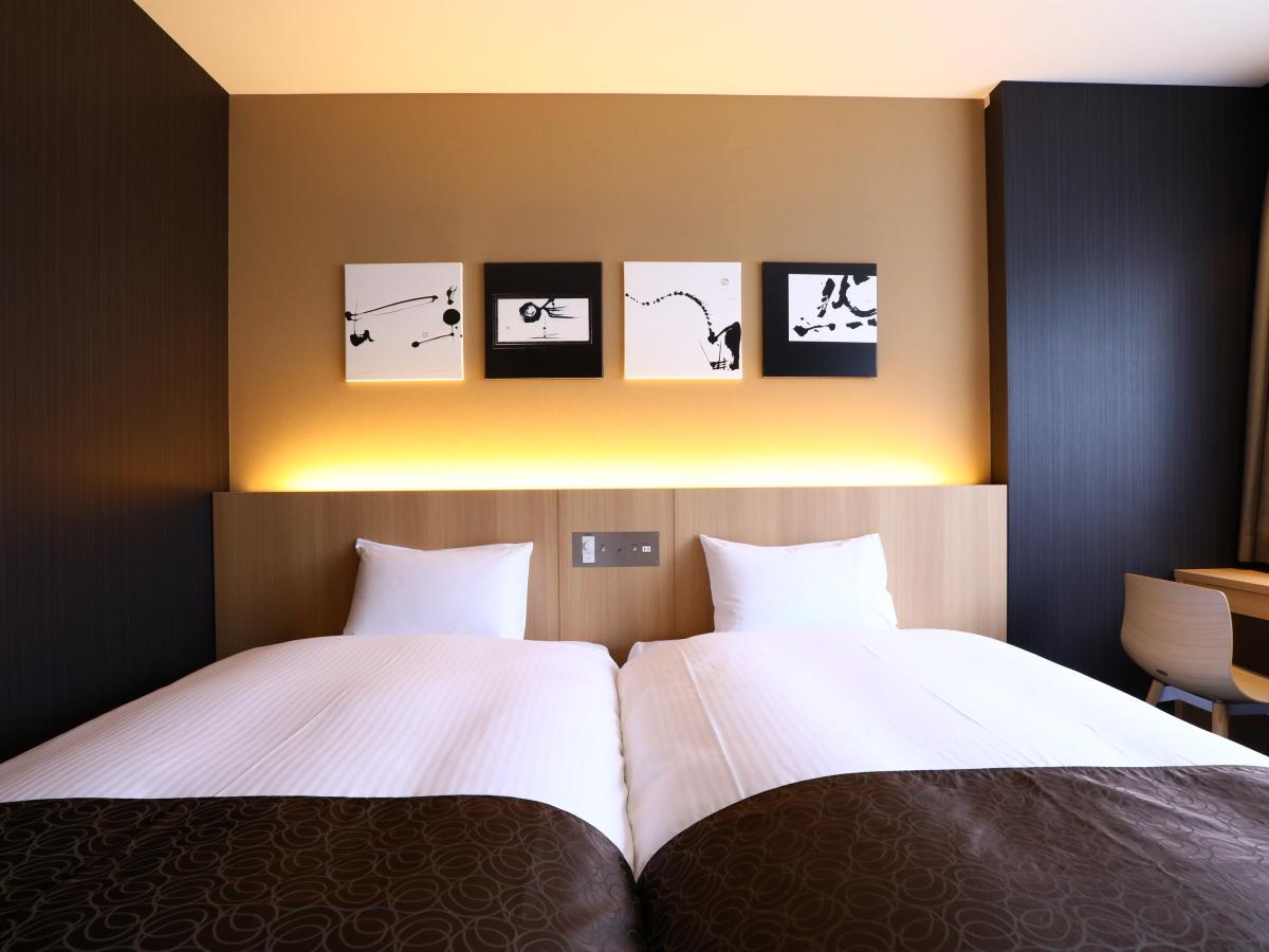 ホテルウィングインターナショナル京都四条烏丸 / 【朝食付き】早割30