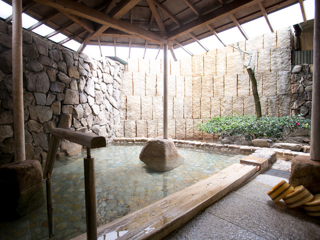 皆生つるや / 【幻想漂う日本庭園・つくよみの庭を臨む】南館客室(和室10畳)
